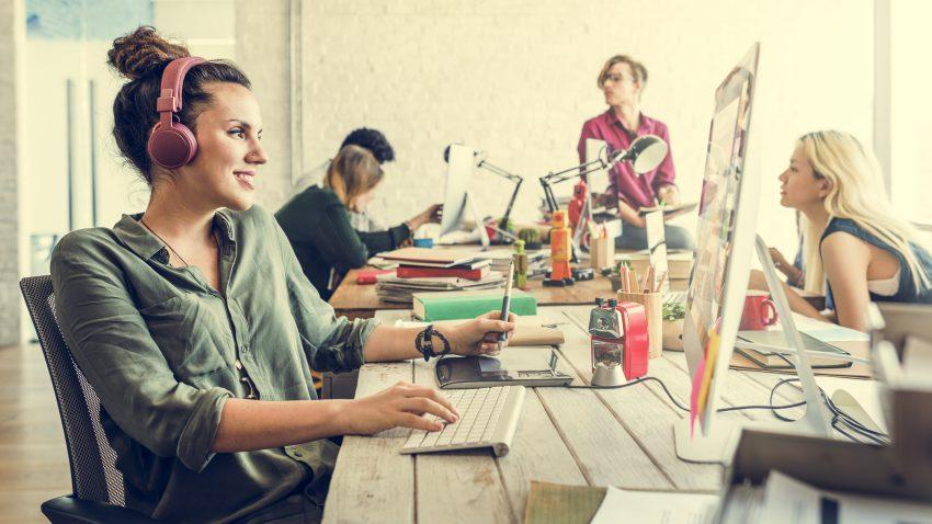 musica in ufficio, aumenta la produttività?