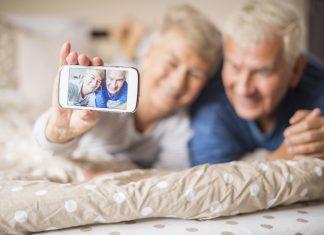 Smartphone per anziani, come scelgo?